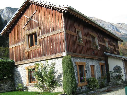 Premier atelier de décolletage à Chéron,transformé en habitation.