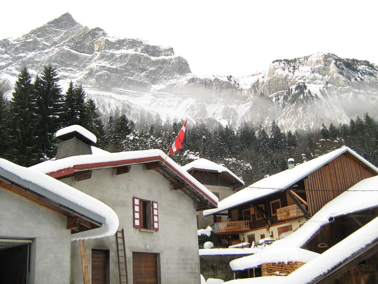 Le haut du village sous la neige.