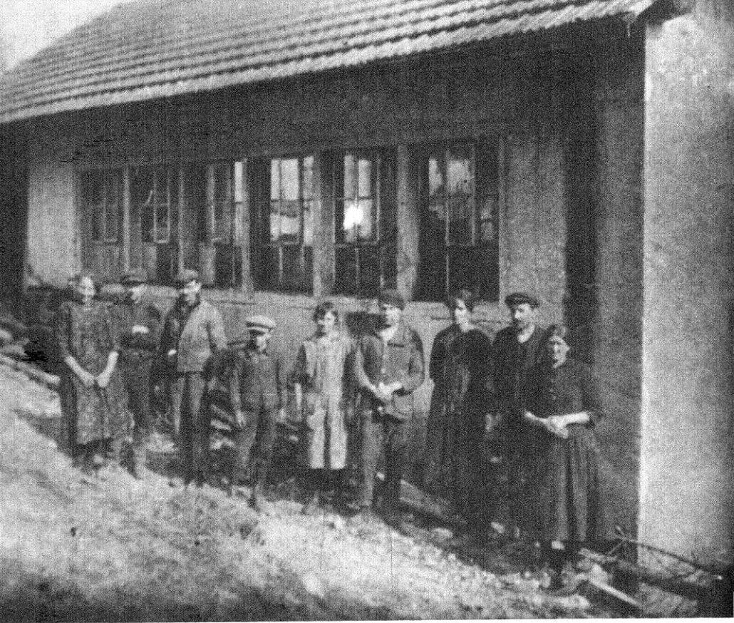 L'atelier de décolletage, employés et patrons vers les années 1926.